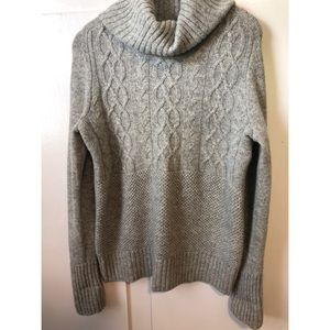 Gap Gray Cable Knit Sweater